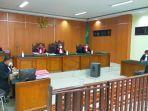 sidang-pembacaan-tuntutan-terhadap-ttiga-terdakwa-penyelundupan-sabu-sabu-26-kg.jpg