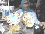 souvenir-dengan-motif-masjid-raya-baiturrahman_20160207_083939.jpg