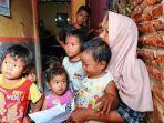 sriyanti-bersama-anak-anaknya-saat-ditemui-tribunjatengcom.jpg