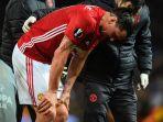 striker-manchester-united-zlatan-ibrahimovic-mengalami-cedera_20170423_083816.jpg
