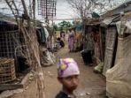 suasana-di-kamp-atau-tenda-pengungsi-etnis-rohingya-di-myanmar_20161119_222835.jpg