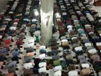 suasana-malam-pertama-shalat-tarawih-berjamaah-di-masjid-agung-islamic-center-lhokseumawe.jpg