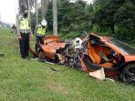 supercar-mclaren-mengalami-kecelakaan-di-tol-jagorawi.jpg