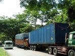 tabrakan-truk-tronton-versus-kontainer.jpg