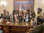 taliban-rebut-istana-kepresidenan-afghanistan.jpg