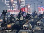 tank-tentara-rakyat-korea-utara-berbaris-dalam-parade-militer.jpg