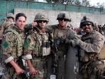 tentara-as-dan-inggris-di-bandara-kabul-afghanistan.jpg