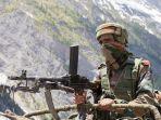 tentara-india-berjaga-jaga-di-pos.jpg