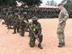 tentara-nigeria-mendapat-latihan-dari-instruktur-militer-inggris-di-zaria_20171215_232800.jpg