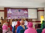 tgk-h-sarkawi-membuka-seminar-peranan-perempuan.jpg