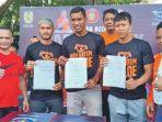 tiga-pemain-baru-persiraja-menandatangani-kontrak_20181022_092224.jpg