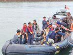tim-pengawas-laut-terdiri-atas-dinas-kelautan-dan-perikanan-aceh-ditjen-pengawasan_20180730_101820.jpg
