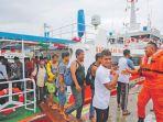 tim-sar-banda-aceh-mengevakuasi-24-nelayan-km_20180820_094033.jpg