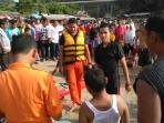 tim-sar-selamatkan-dua-nyawa-di-laut-lhoknga_20160913_193750.jpg