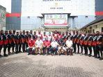 tim-sepakbola-pon-aceh-foto-bersama-pengurus-koni-ac.jpg