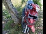 velg-dan-ban-depan-sebuah-sepeda-motor-raib-digasak-pencuri.jpg