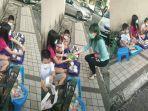 viral-demi-membantu-orangtua-yang-kena-phk-4-kakak-beradik-jualan-mie-dan-belajar-di-pinggir-jalan.jpg