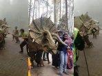 viral-dinosaurus-ngamuk-di-magetan.jpg
