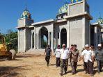 wabup-gotong-royong-di-masjid-pidie-jaya.jpg