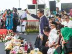wakil-presiden-ri-jusuf-kalla-bersama-menteri_20151214_095916.jpg