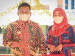 wali-kota-banda-aceh-aminullah-usman-bersama-istri-hj-nurmiati-ar.jpg