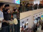 wali-kota-makassar-ngamuk-usir-kerumunan-pengunjung-mall.jpg