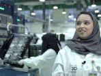 wanita-arab-saudi-di-pabrik-militer.jpg