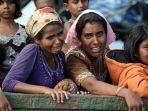 wanita-etnis-rohingya-menangis-di-atas-kapal_20171010_211359.jpg