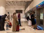 warga-arab-saudi-di-bandara-riyadh2.jpg