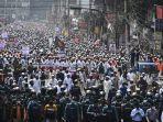 warga-bangladesh-demo-prancis.jpg