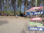 warga-berekreasi-ke-wisata-pantai-naga-permai-kecamatan-kuala-pesisir-nagan-raya.jpg