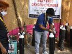 warga-india-bantu-oksigen-untuk-pasien-virus-corona.jpg