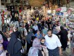 warga-iran-berkerumun-di-pasar-teheran.jpg