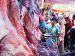 warga-membeli-daging-meugang-di-pasar-peunayong-banda-aceh.jpg