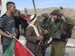 warga-palestina-berdebat.jpg