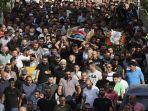 warga-palestina-makamkan-korban-penembakan.jpg