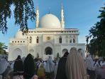 warga-shalat-idul-adha-1441-h-di-pelataran-masjid-at-taqwa-lhokseumawe.jpg