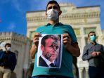 warga-turki-demo-presiden-prancis.jpg