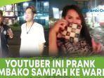 youtuber-ini-prank-sembako-batu-bata-dan-sampah-ke-waria.jpg