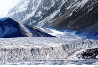 Benua Antartika Berpotensi Pecah
