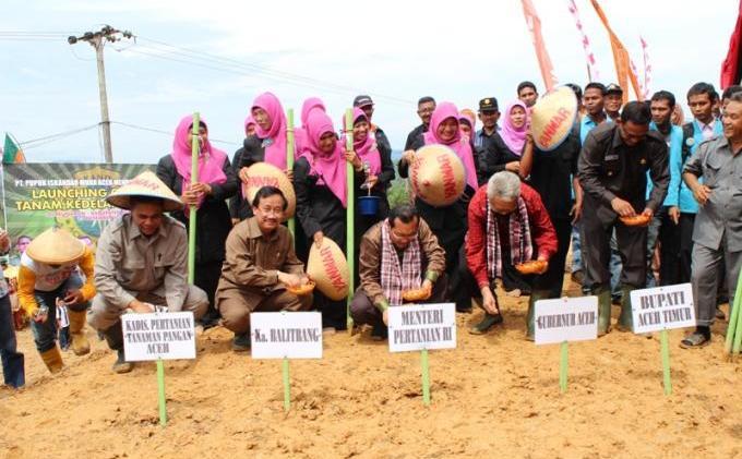 Ini Dia, Laporan Penyelenggaraan Pemerintahan Aceh kepada Publik Tahun 2012 - foto_02.jpg