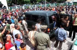 Brigadir Irwanuddin Dicambuk Sendirian - 290513_6.jpg