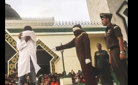 Brigadir Irwanuddin Dicambuk Sendirian - 290513_7.jpg