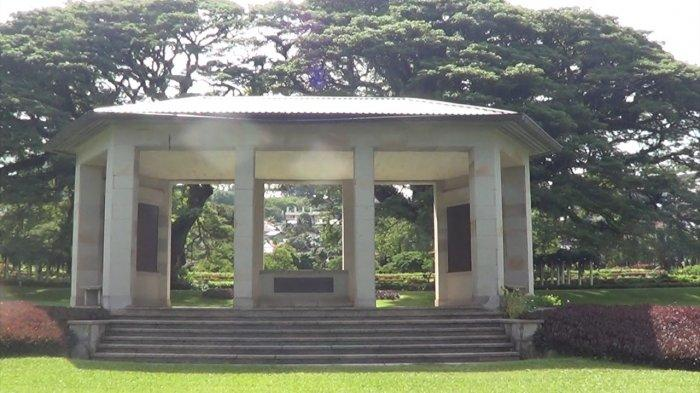Taman Makam Pahlawan Negara Persemakmuran (Commonwealth  Cemetery Ambon Memorial) yang terletak di Jl Sultan Hasanuddin, Tantui,  Kelurahan Pandan Kasturi, Kecamatan Sirimau, Kota Ambon, Maluku, Jumat 8/1/2021.