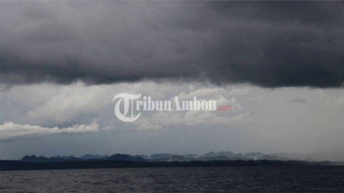 Peringatan Gelombang Tinggi Perairan Indonesia 14-15 Oktober 2021: Tinggi Gelombang Capai 4 Meter