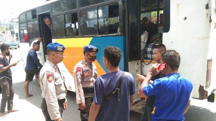Polisi Ambon Amankan RL Bersama 60 Liter Sopi