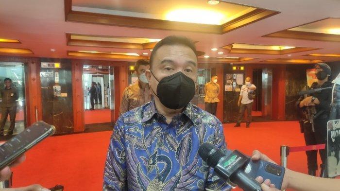 Pinjol Ilegal Kian Meresahkan, Wakil Ketua DPR Dorong Pemerintah dan OJK Perkuat Perbankan