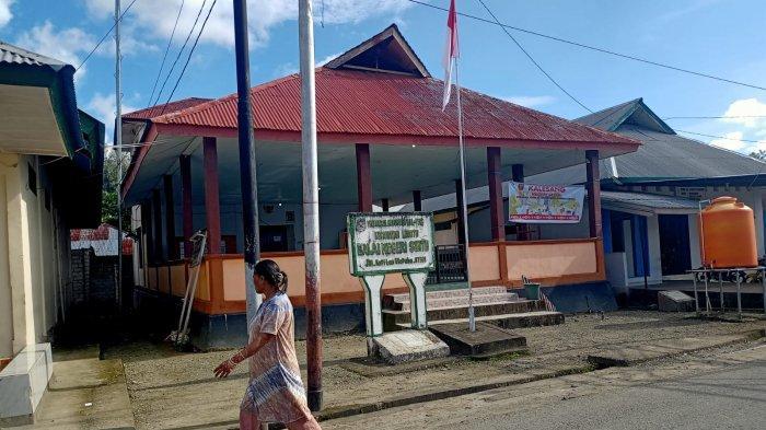 MALUKU: Balai desa negeri Seith, Maluku Tengah, Senin (13/9/2021) siang.