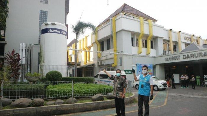 PT PLN (Persero) menyerahkan bantuan senilai Rp 1,69 miliar ke RSUP Dr Kariadi dan sejumlah rumah sakit di Jawa Tengah (Jateng), Selasa (13/7/2021).