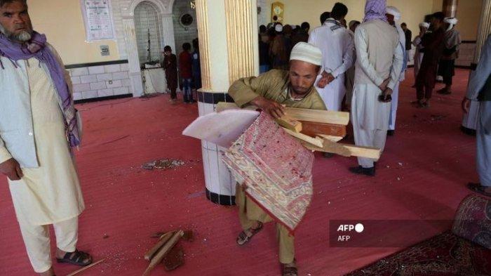 Bom Meledak di Masjid Afghanistan saat Shalat Jumat, 12 Orang Tewas